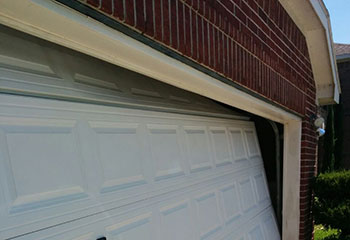 Garage Door Off-Track | Garage Door Repair Lilburn, GA